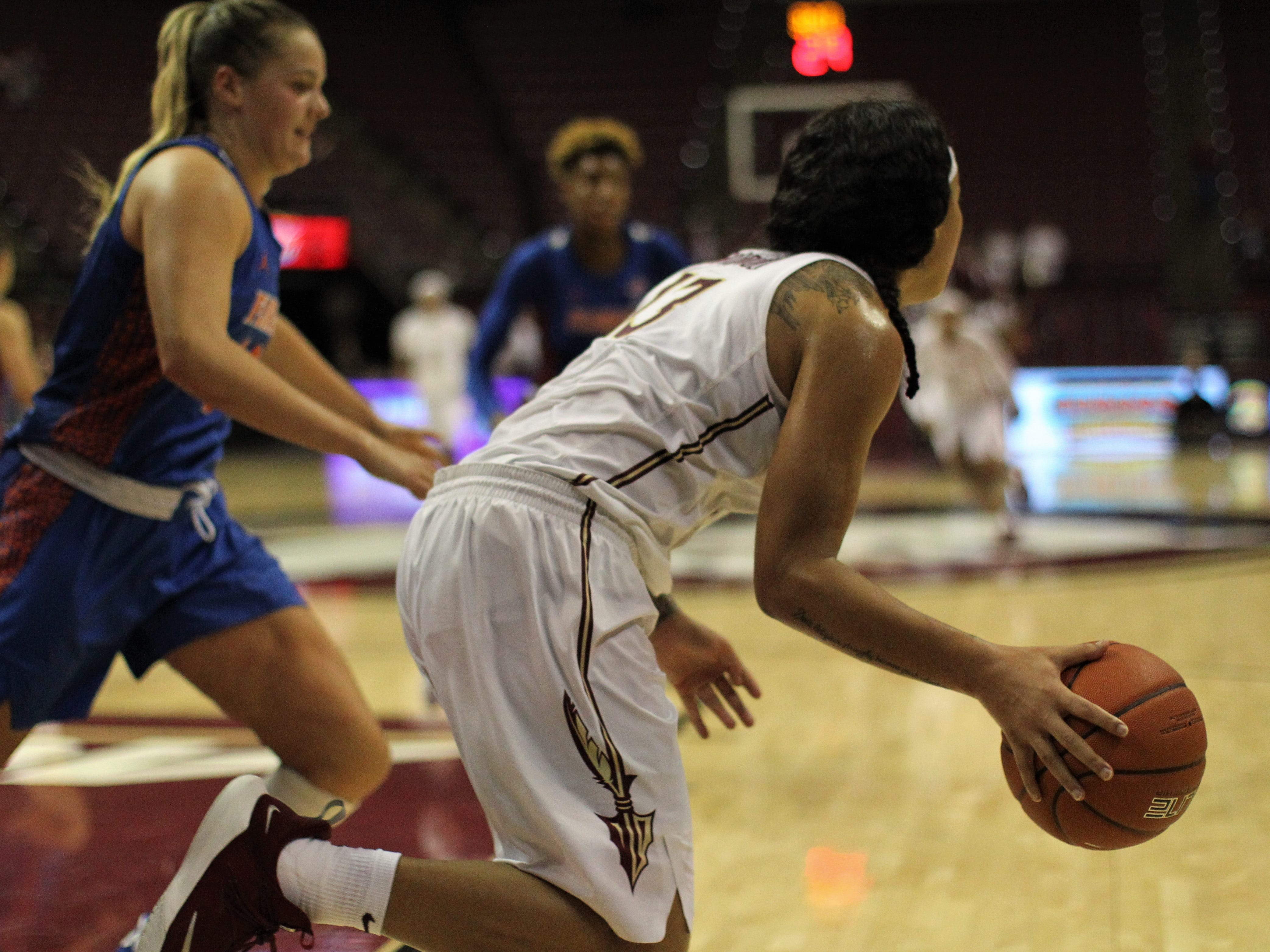 Florida State's Nausia Woolfolk runs out the final second during the second half of the Seminoles' game against Florida at the Tucker Civic Center on Nov. 11, 2018.