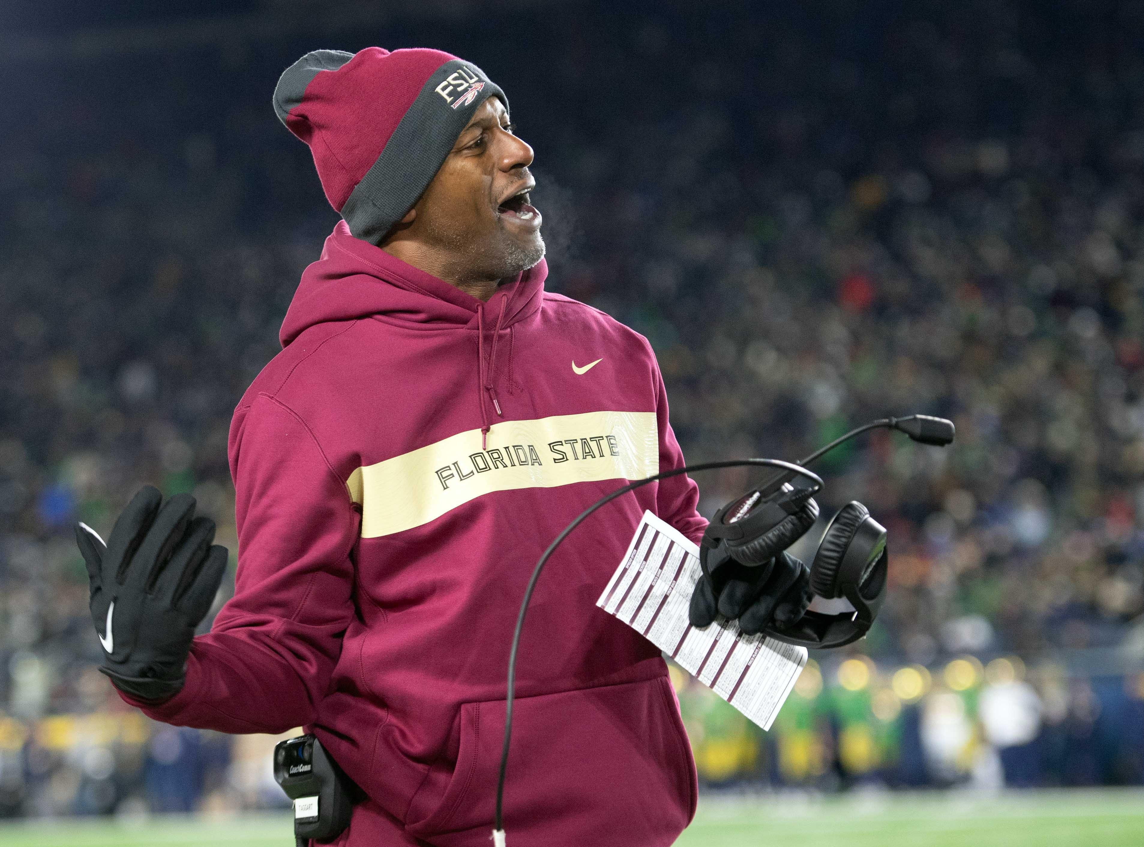 iNov 10, 2018; South Bend, IN, USA; Florida State Seminoles head coach Willie Taggart yells to an official in the second quarter against the Notre Dame Fighting Irish at Notre Dame Stadium. Mandatory Credit: Matt Cashore-USA TODAY Sports