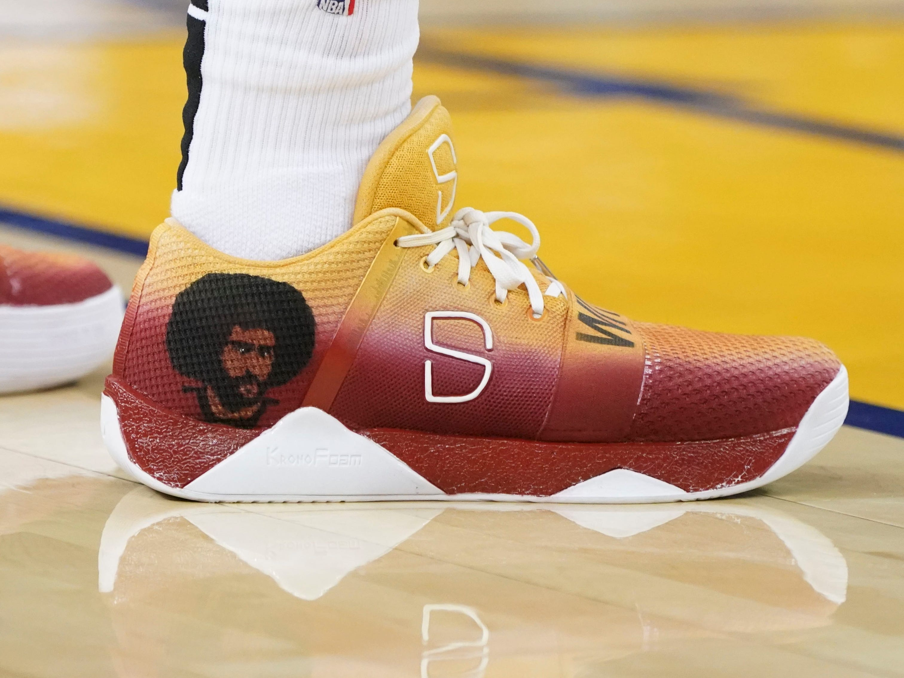 Nov. 10: Spencer Dinwiddie, Nets (Colin Kaepernick tribute)