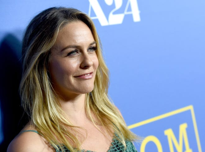 Alicia Silverstone says her 7-year-old son has a vegan lifestyle to thank for never being sick.