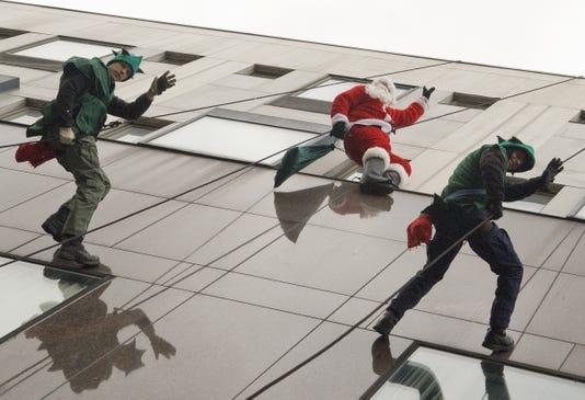I Santa Sight 02