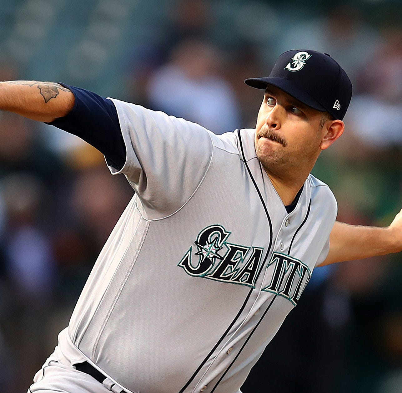 Mariners send James Paxton to Yankees for prospects