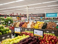 Hy-Vee's Harding Hills store reopens five months after catastrophic flooding