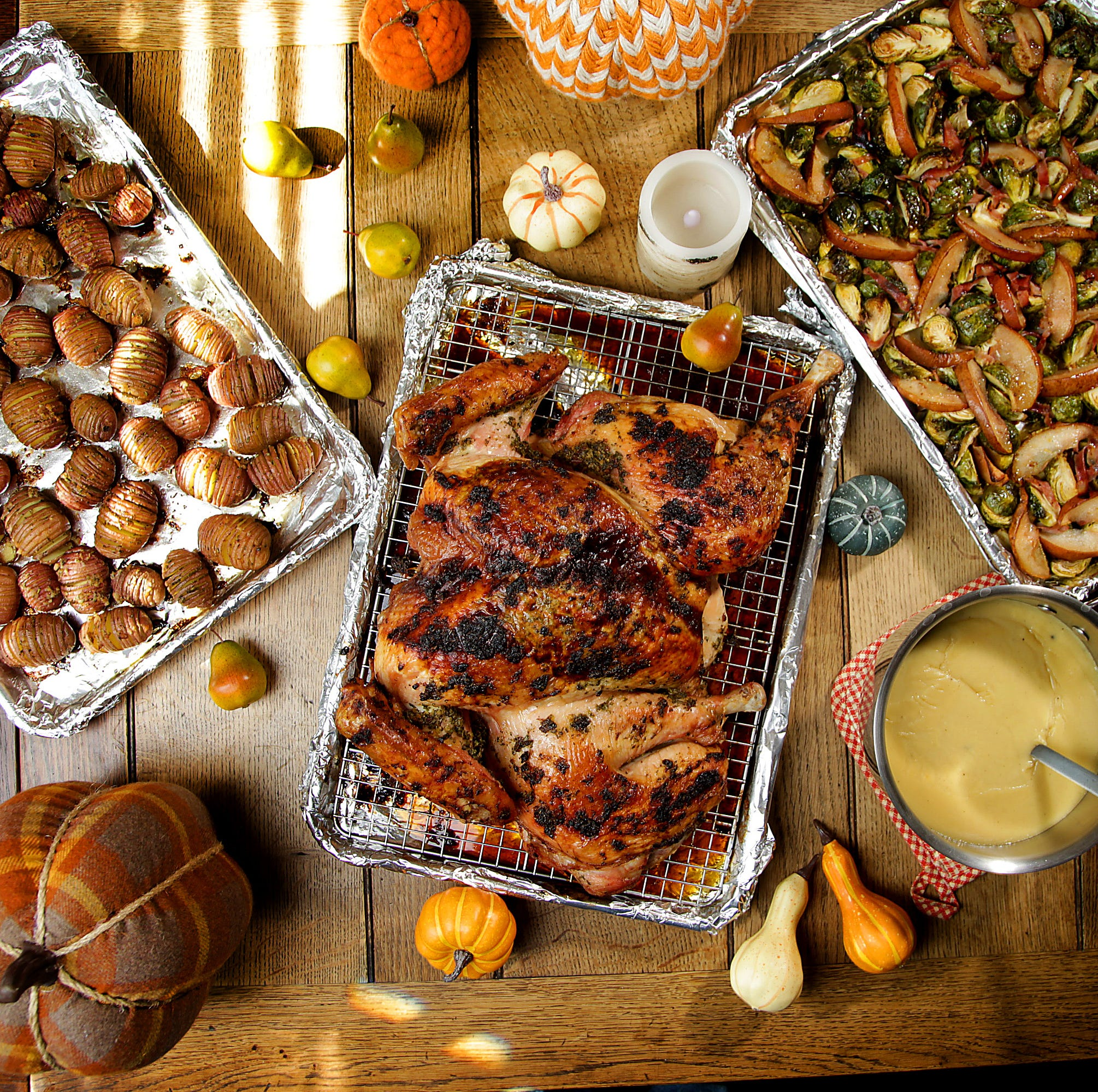 Still planning your Thanksgiving meal? Keep it simple. Cook everything on a sheet pan.