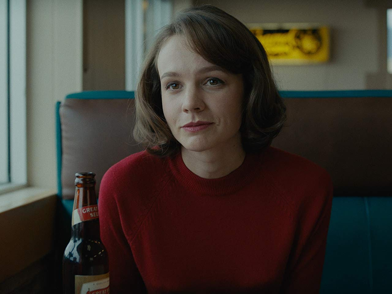 Review: Carey Mulligan careens out of control in tightly wound 'Wildlife'