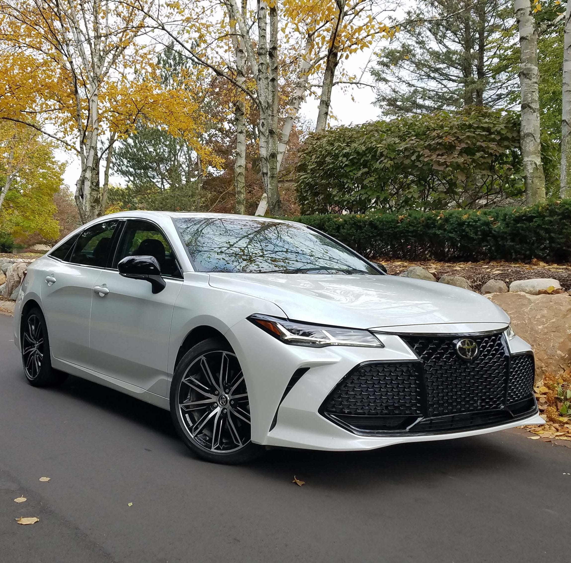 Payne: Toyota's new Avalon is a Lexus-beater