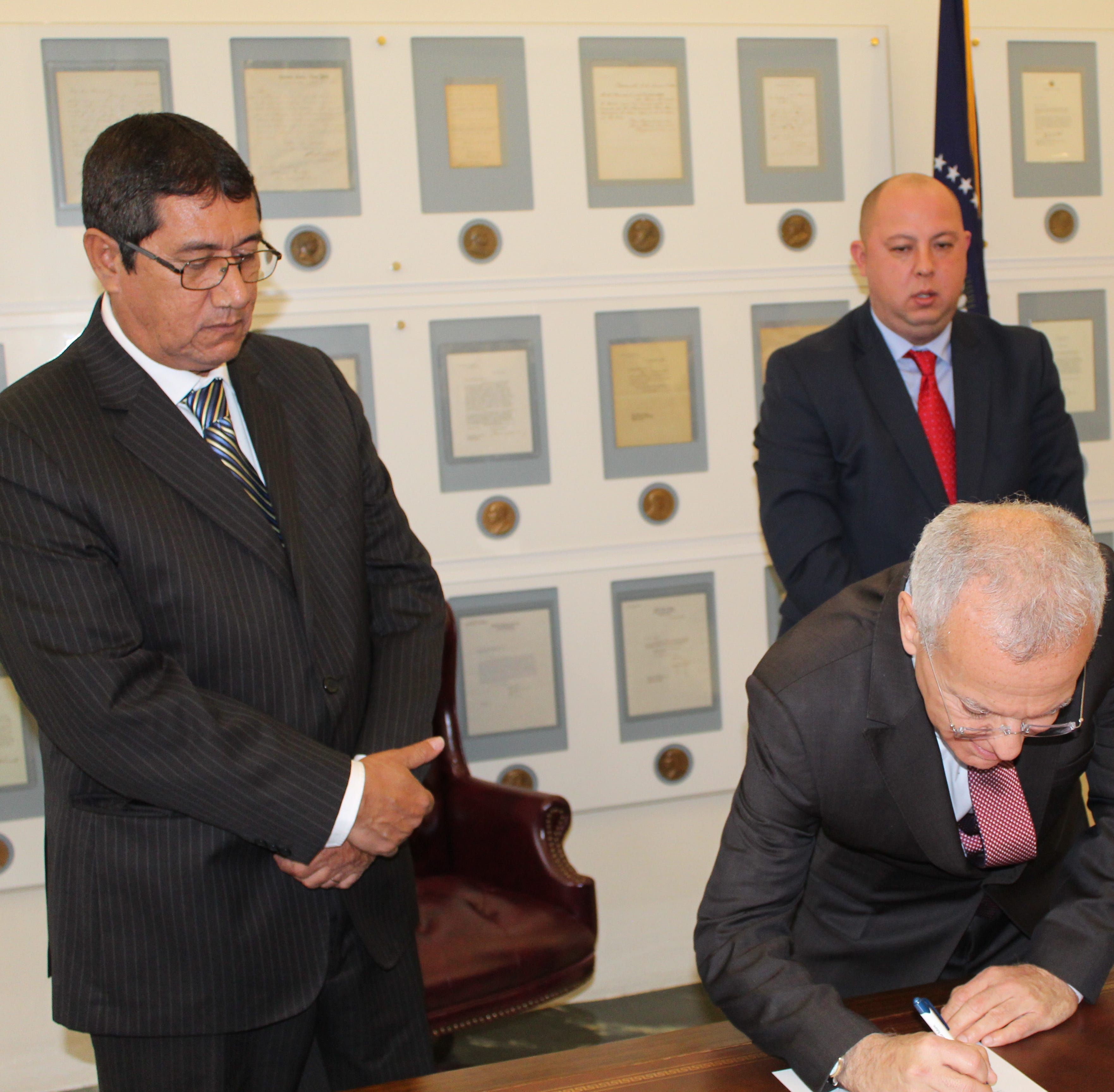 Fremont, Paraguay officials sign sister city accord