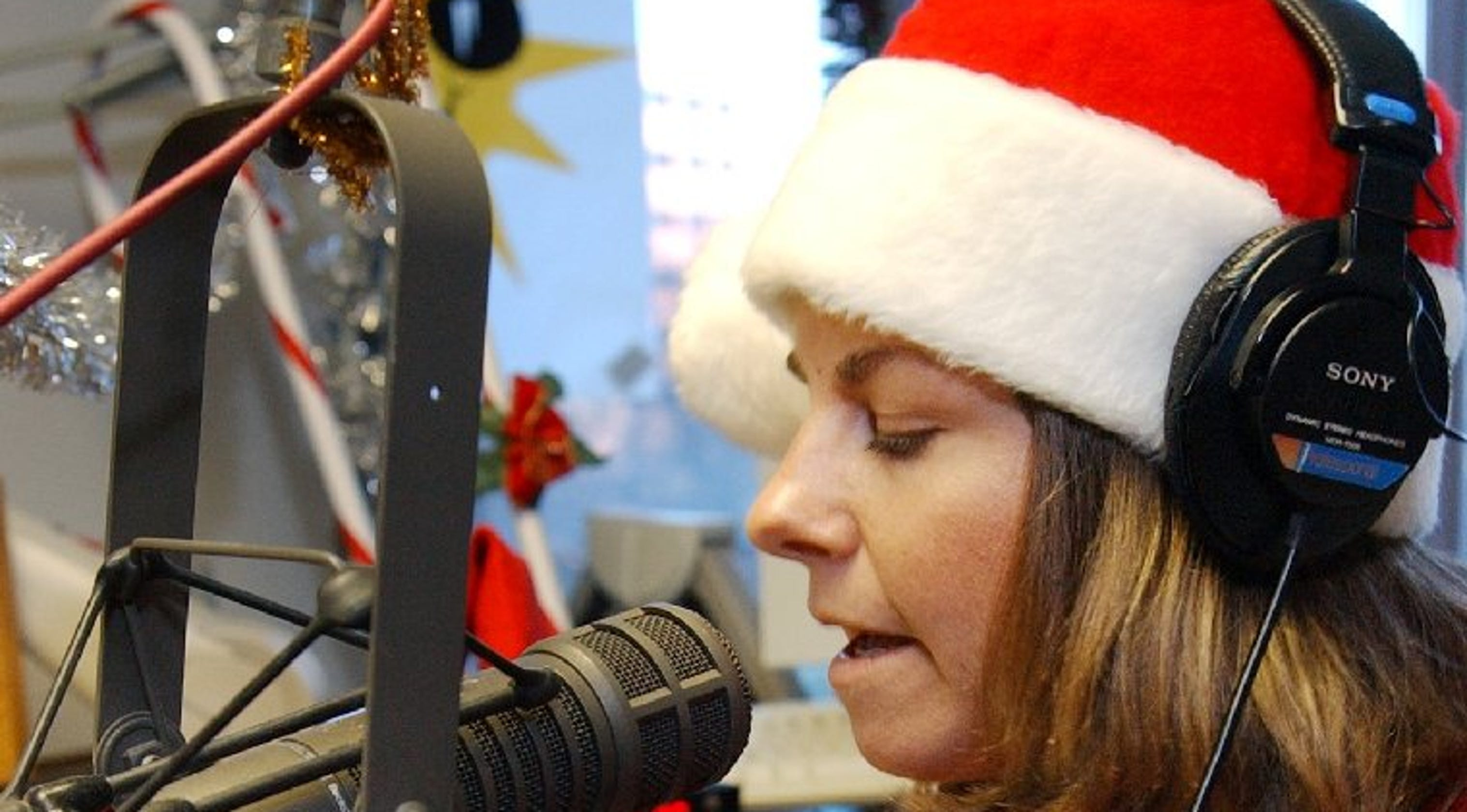 Here are 3 Colorado radio stations for your Christmas music fix