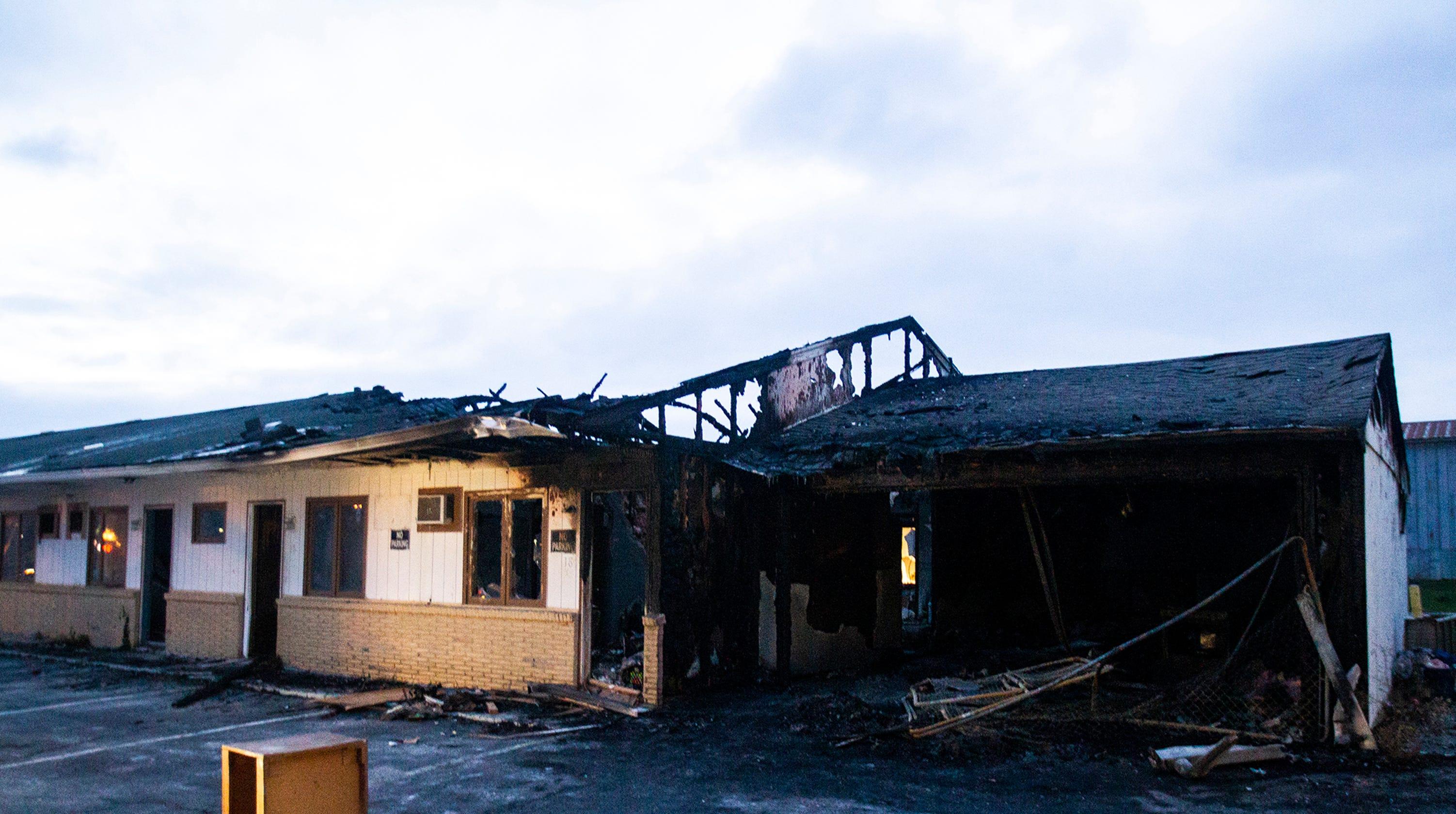 coralville fire investigating monday 39 s former capri lodge fire. Black Bedroom Furniture Sets. Home Design Ideas