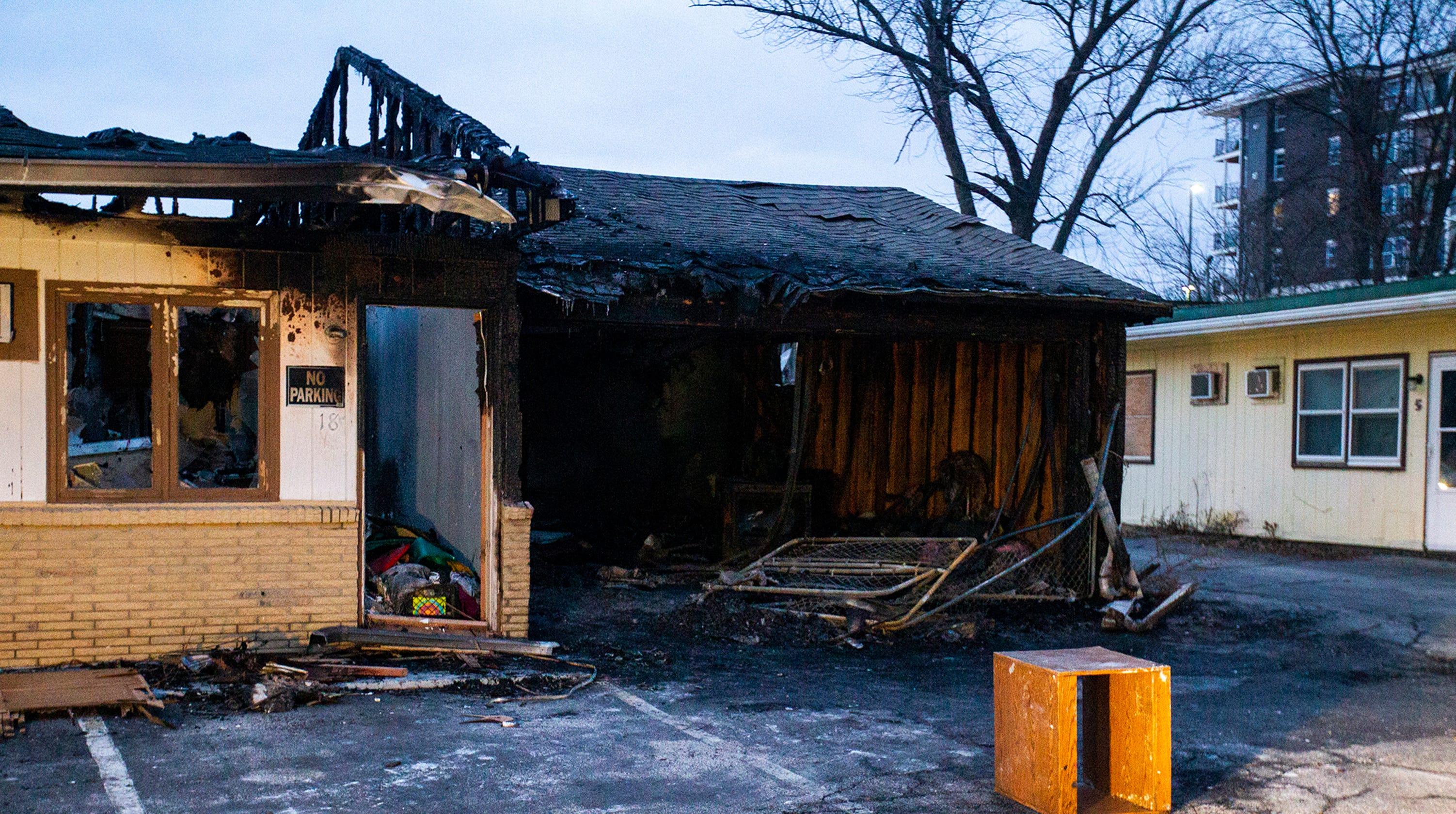 photos coralville capri lodge motel fire. Black Bedroom Furniture Sets. Home Design Ideas