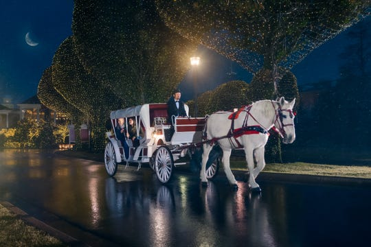 The Gaylord Opryland Resort & Convention Center offers carriage rides during the holiday season.