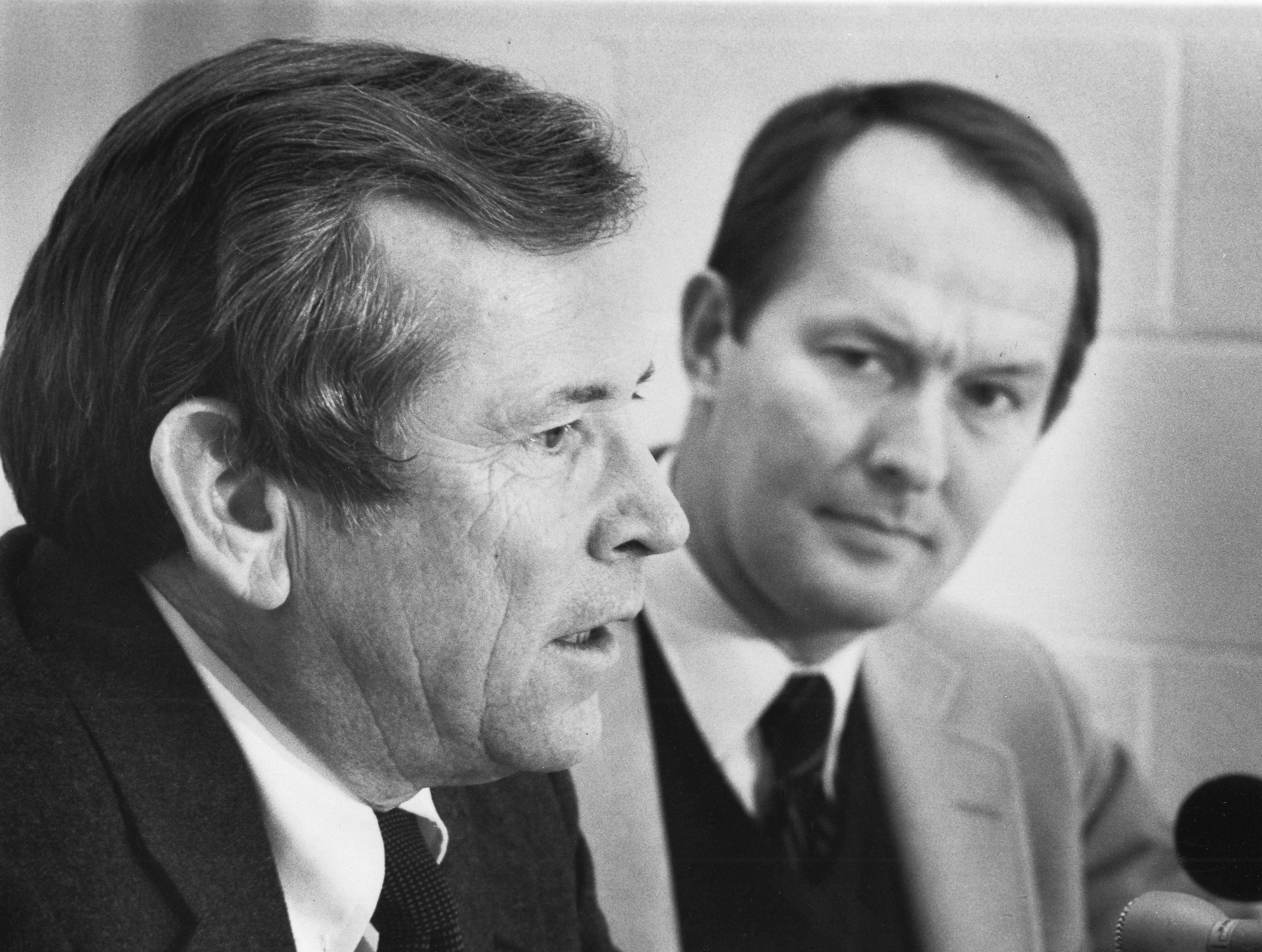 U.S. Sen. Howard H. Baker Jr., left, and Gov. Lamar Alexander meet the press during the annual Lincoln Day Dinner on Feb. 11, 1982, at the Civic Coliseum.