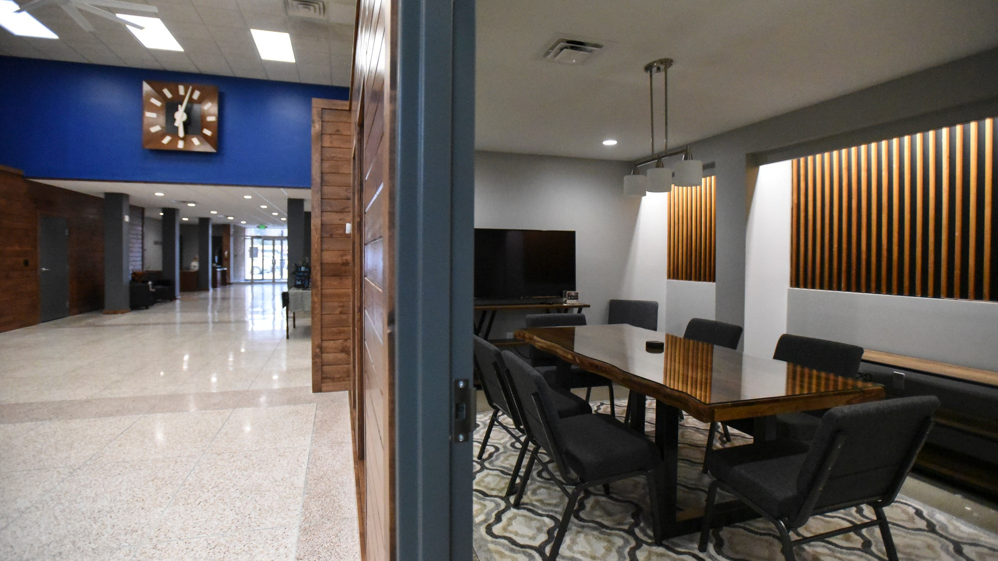 'Cold and sterile' bank building transformed into mid-century modern space in Charlotte