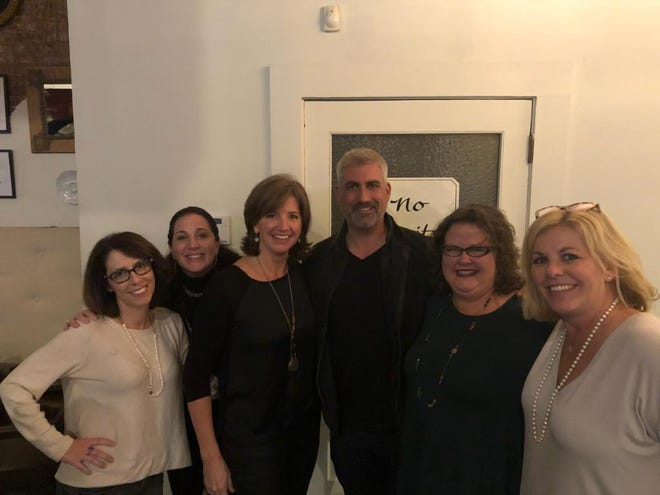 "Downtown Dining Week patrons at 117 Prime had a surprise ending to their meal when they got to meet ""American Idol"" star Taylor Hicks, who also was dining at the restaurant. Emily Duke, Lesli Polsky, Bonnie Hollabaugh, Molly Polatty and Camille Gamble plan a girls night out each year to attend Downtown Dining Week."