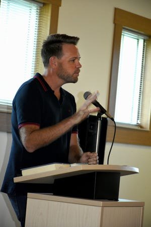 Bestselling author and FGCU professor Nathan Hill speaks. The Collier County public library system hosted an author fair Nov. 10 at the South Regional library branch, with nearly four dozen local writers and talks from two eminent authors.