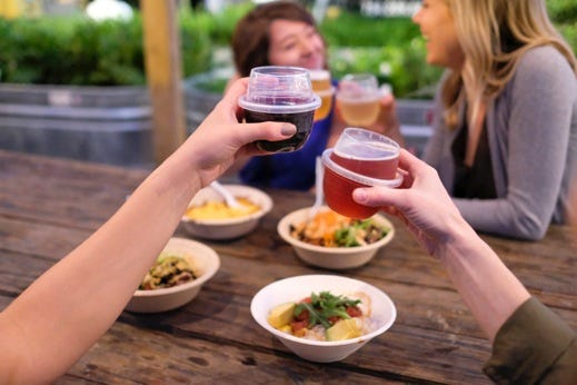 HaloVino plastic wine glasses are unbreakable, spill-resistant and reusable, making them ideal for outings and picnics.