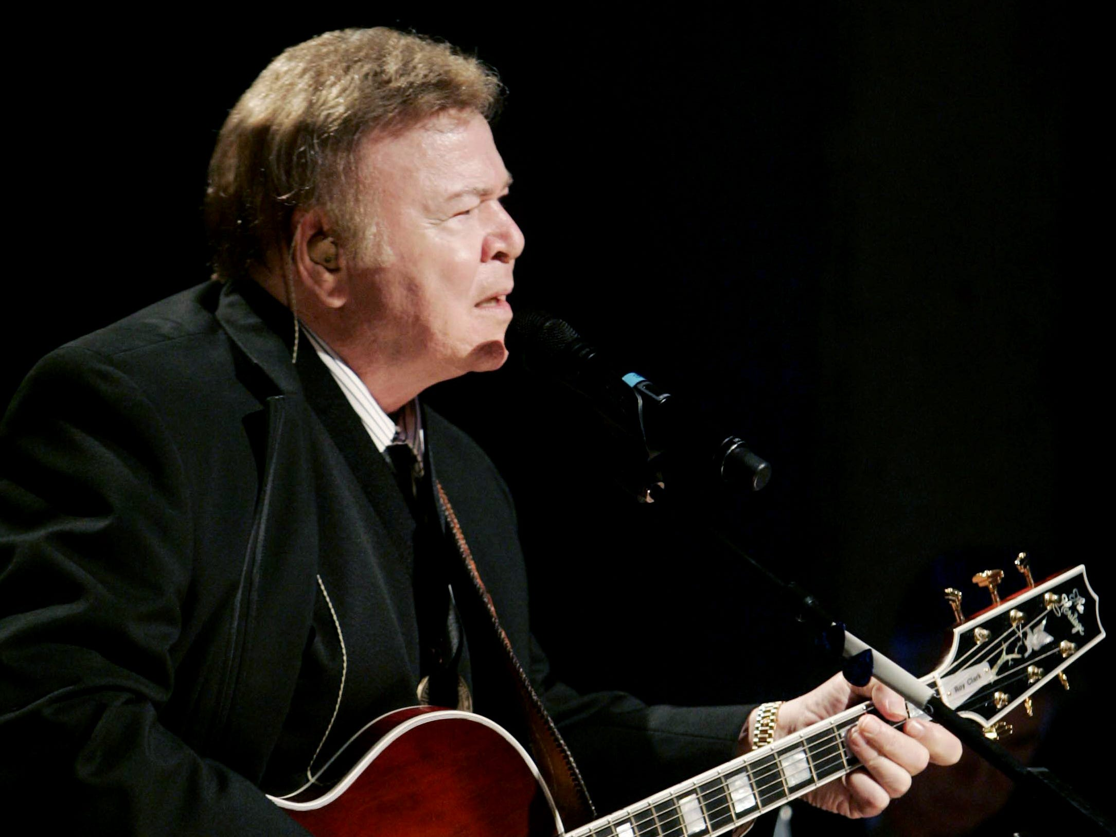 "Roy Clark sings ""Yesterday, When I Was Young"" during the Country Music Hall of Fame's Medallion Ceremony on May 17, 2009."