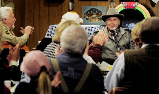 "Roy Clark gets applause from the audience of ""Larry's Country Diner"" during a taping session at NorthStar studios Feb. 4, 2013."