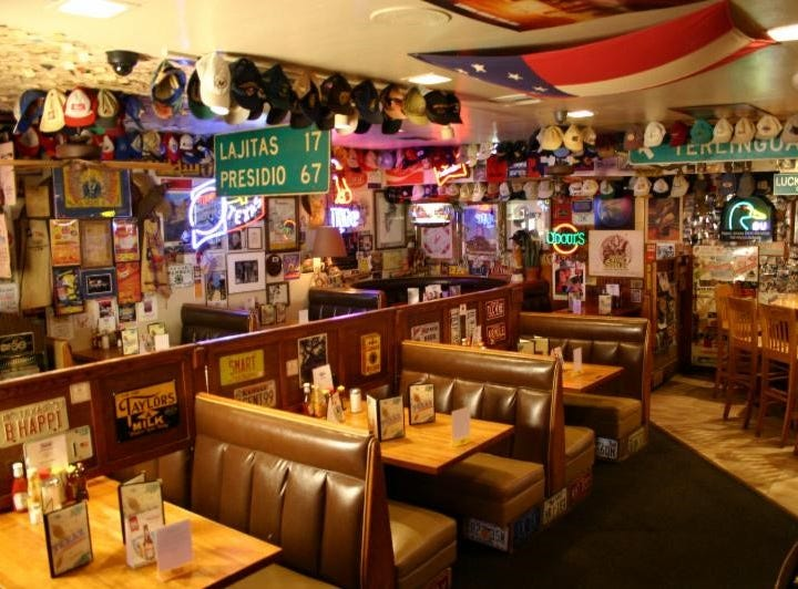 After 33 years under the same ownership, TEXAZ Grill in Phoenix is getting new owners.