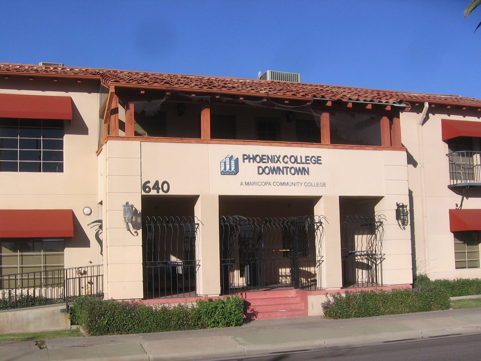 A building that once was the home of a Phoenix attorney underwent several transformations in its lifetime. Before being the First Avenue Court Building offices, it was the Westward Ho Apartments.