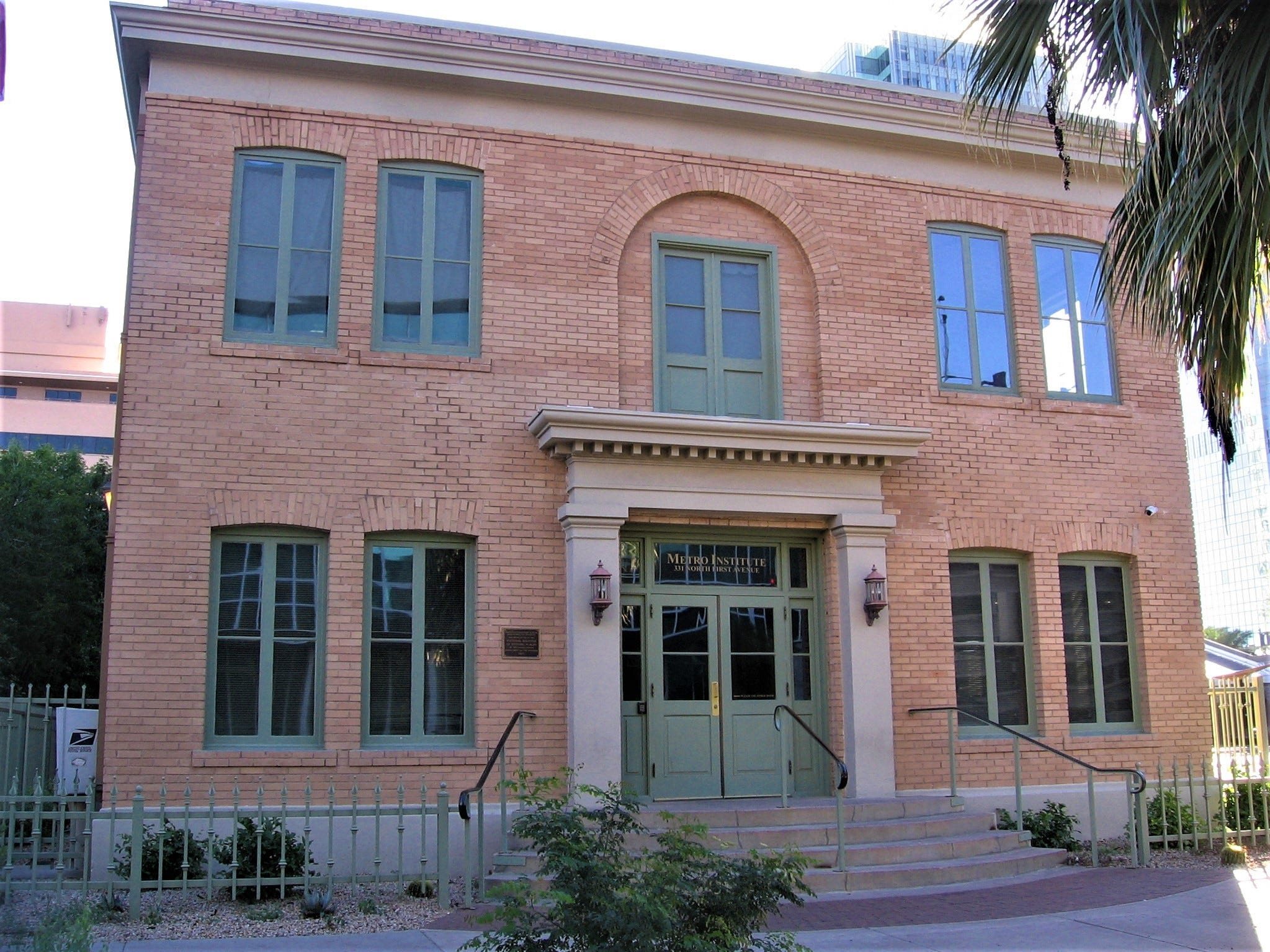 The former administrative office (1917) for Phoenix School District No. 1 still stands as an office building, but not for a school district.