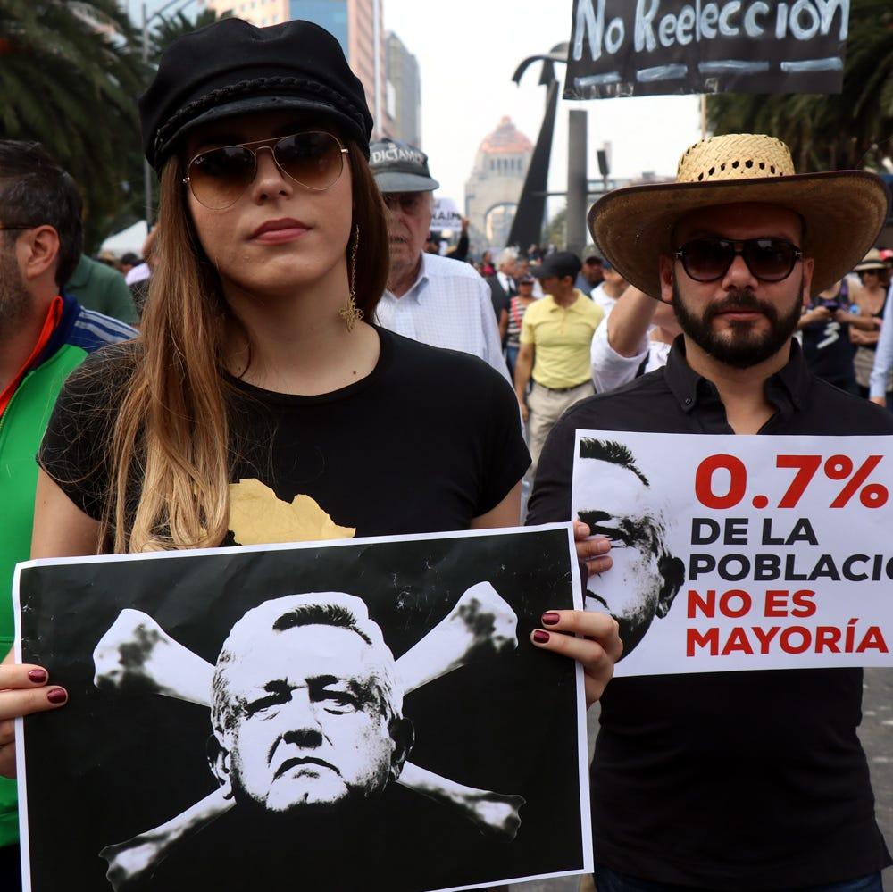 Miles protestan en México por cancelación del nuevo aeropuerto