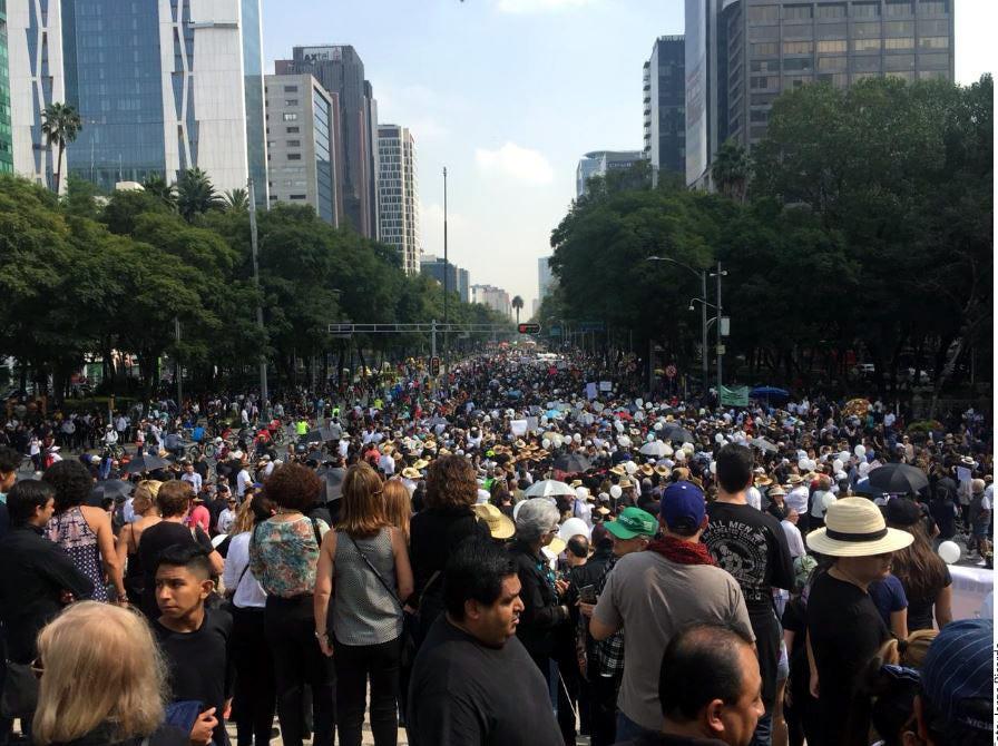 Personas marcharon el domingo 11 de noviembre, 2018 en la CDMX para protestar por los planes del presidente electo Andrés Manuel López Obrador de cancelar nuevo aeropuerto de 13,000 millones de dólares.