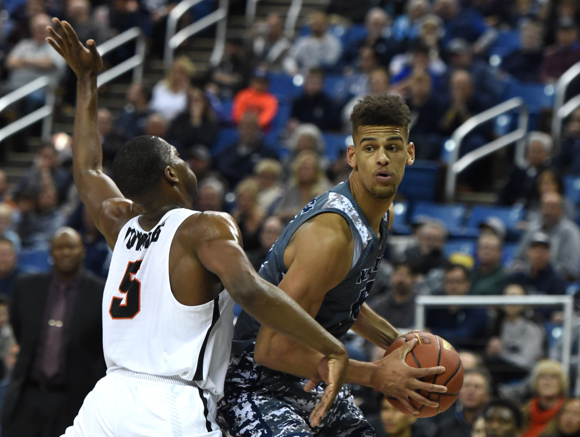 On the move: Wolf Pack basketball lands best-ever No. 6 ranking