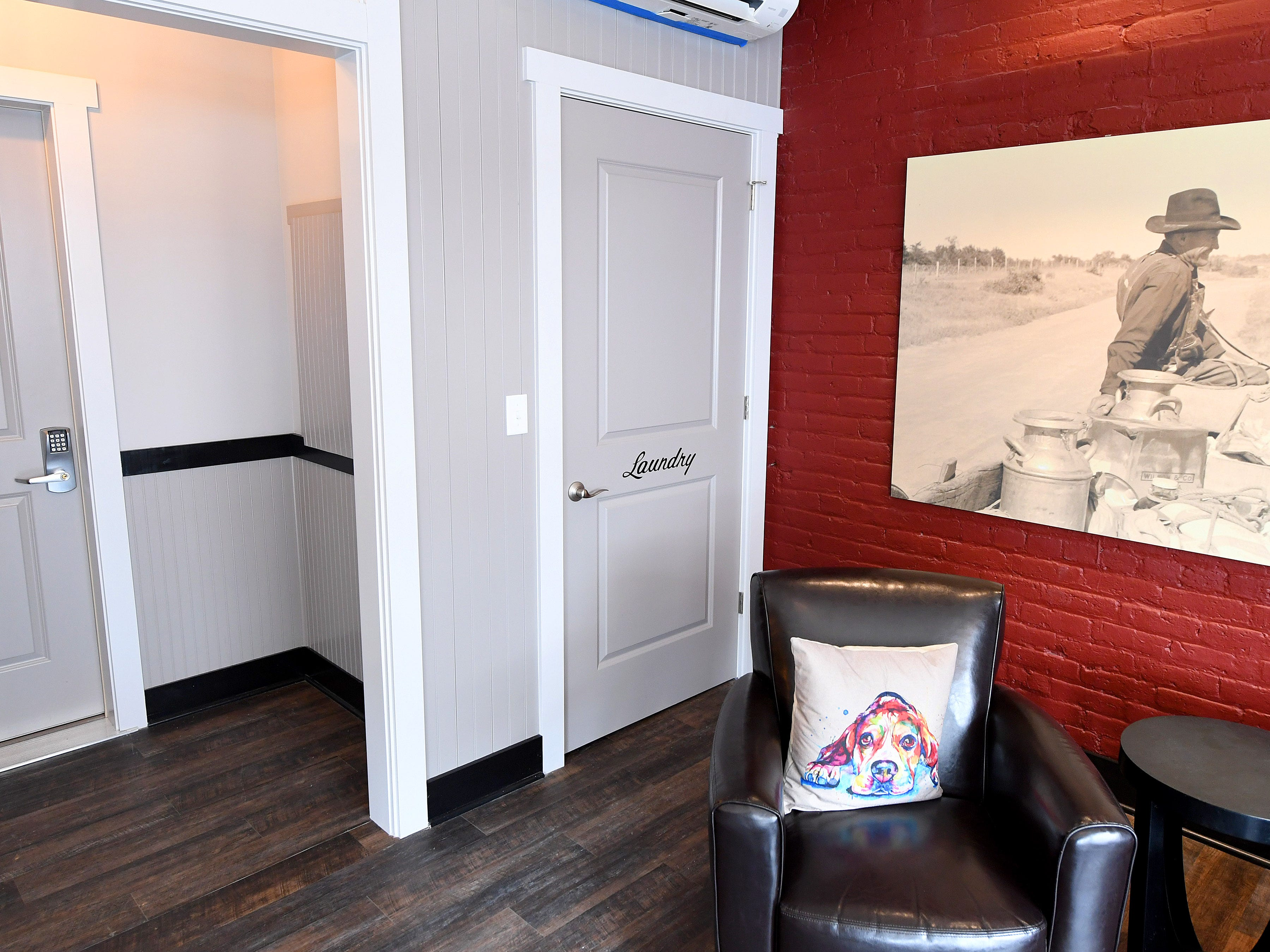 Gibson's Warehouse has a shared laundry for their guests. Gibson's is a boutique hotel located on Middlebrook Avenue across from the train station in Staunton.