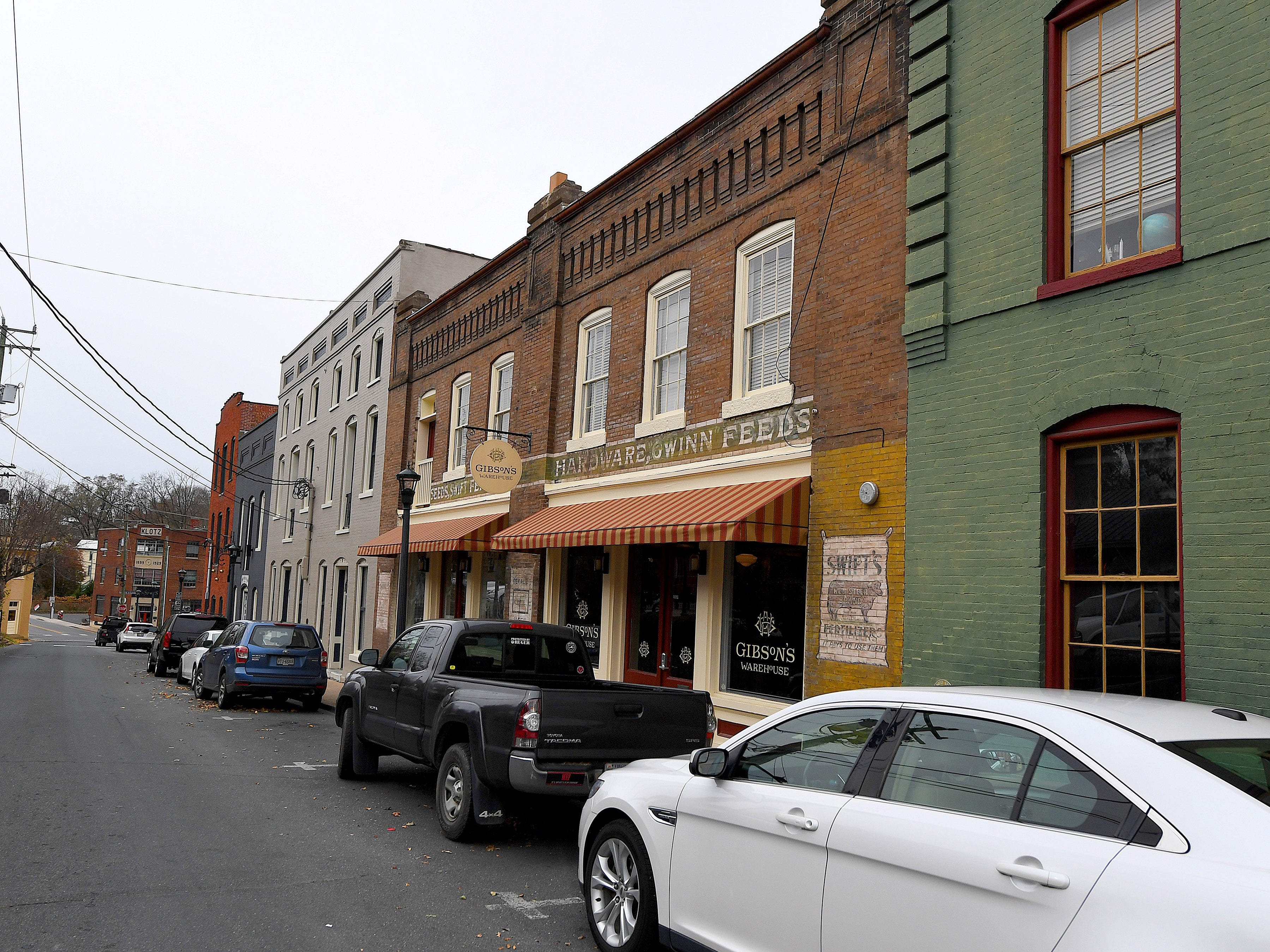Gibson's Warehouse is a boutique hotel located on Middlebrook Avenue, across from the train station in Staunton.