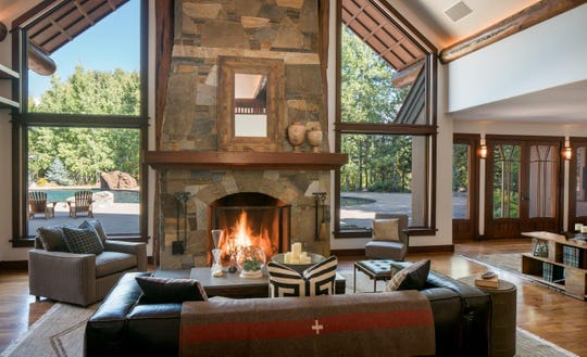 Bruce Willis recently sold this 6-bedroom log home sited on 20 acres between Hailey and Ketchum on Idaho's Flying Heart Lake.