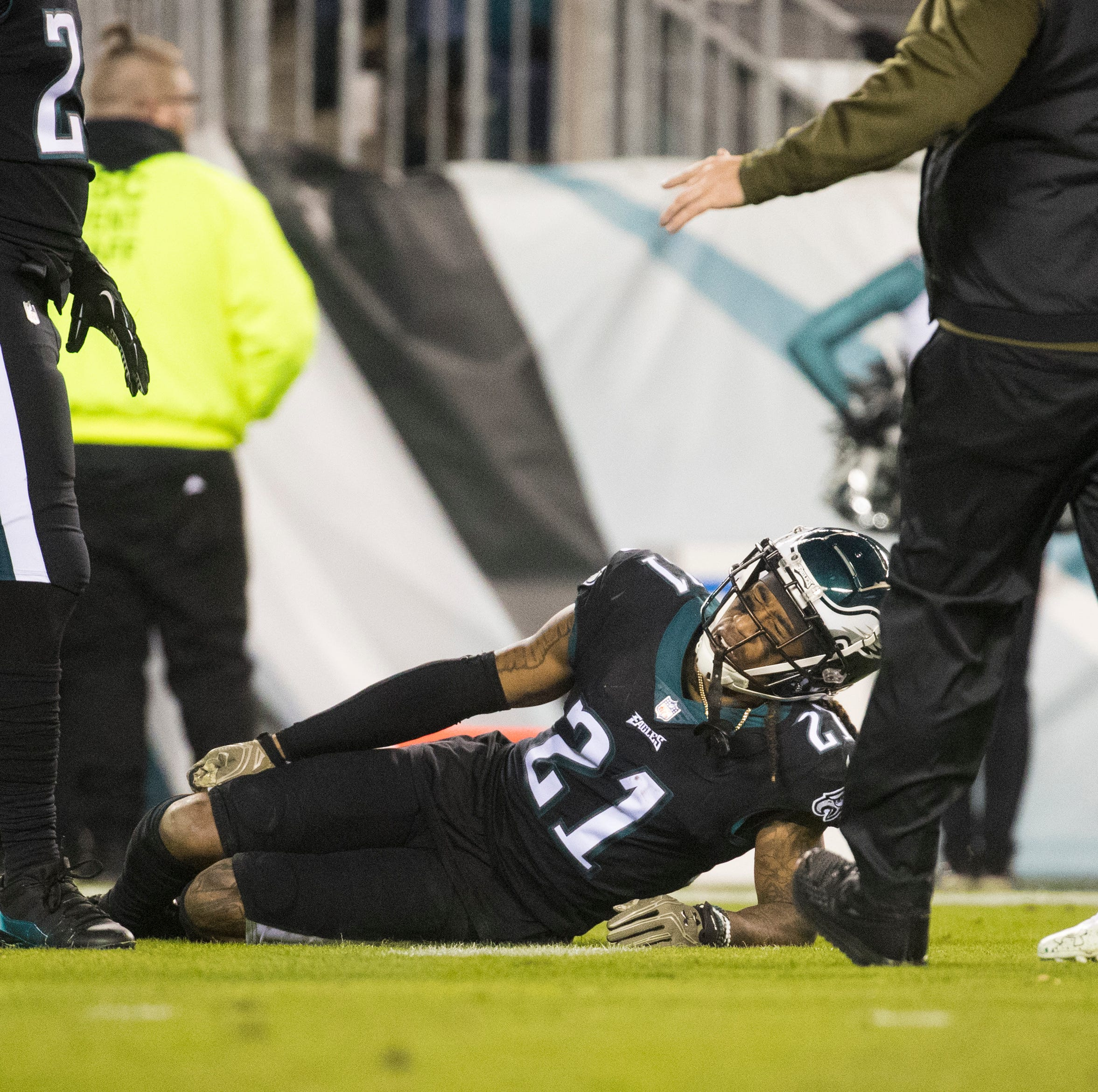 Eagles' Ronald Darby tears ACL, out for the season, as playoff hopes fade