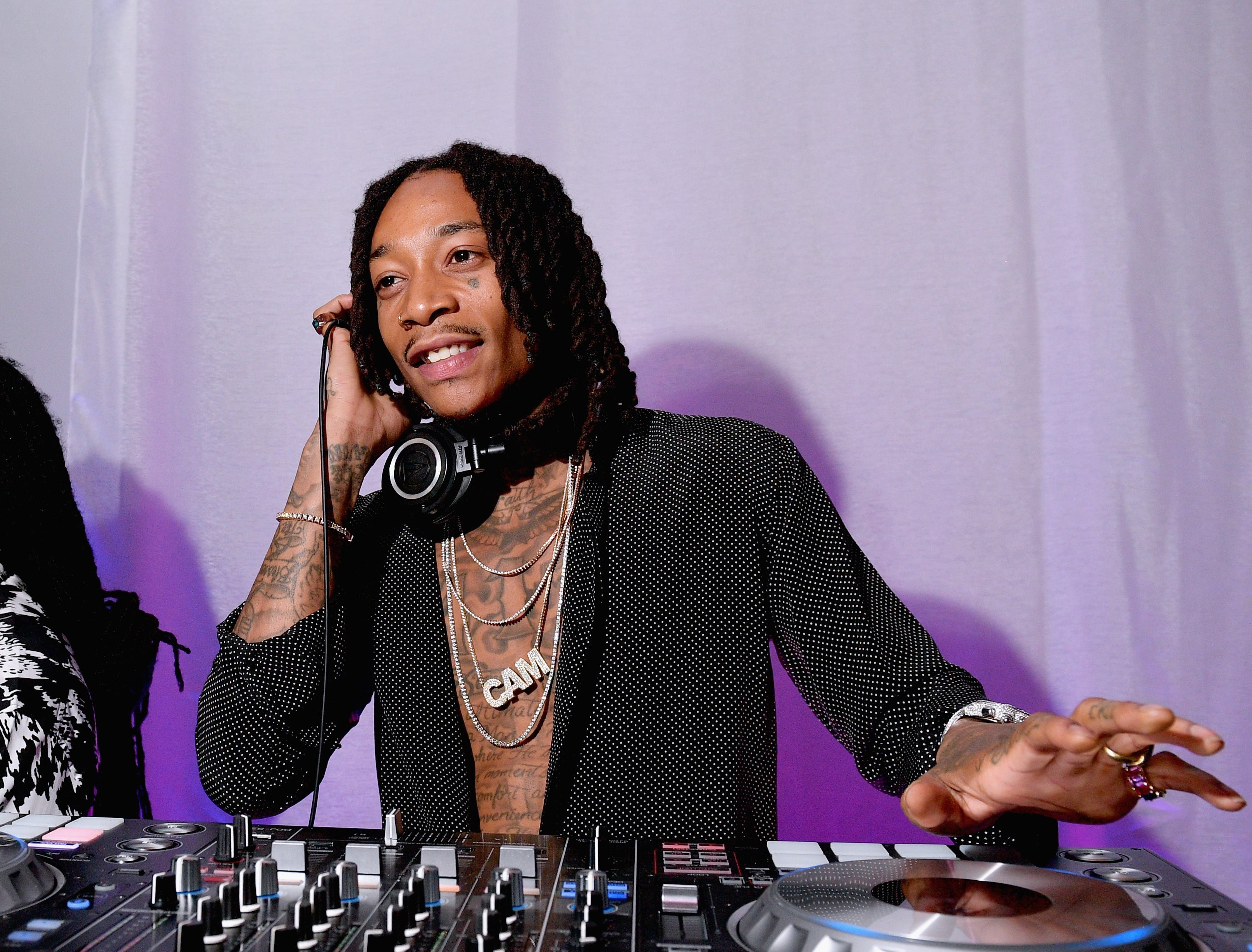 CULVER CITY, CA - NOVEMBER 10:  Wiz Khalifa DJs during the 2018 Baby2Baby Gala Presented by Paul Mitchell at 3LABS on November 10, 2018 in Culver City, California.  (Photo by Matt Winkelmeyer/Getty Images for Baby2Baby) ORG XMIT: 775231180 ORIG FILE ID: 1060136922