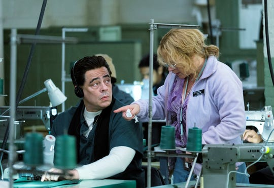 "Benicio del Toro, left, plays convict Richard Matt and Patricia Arquette plays prison tailor-shop employee Joyce ""Tilly"" Mitchell in the Showtime miniseries, 'Escape at Dannemora.'"