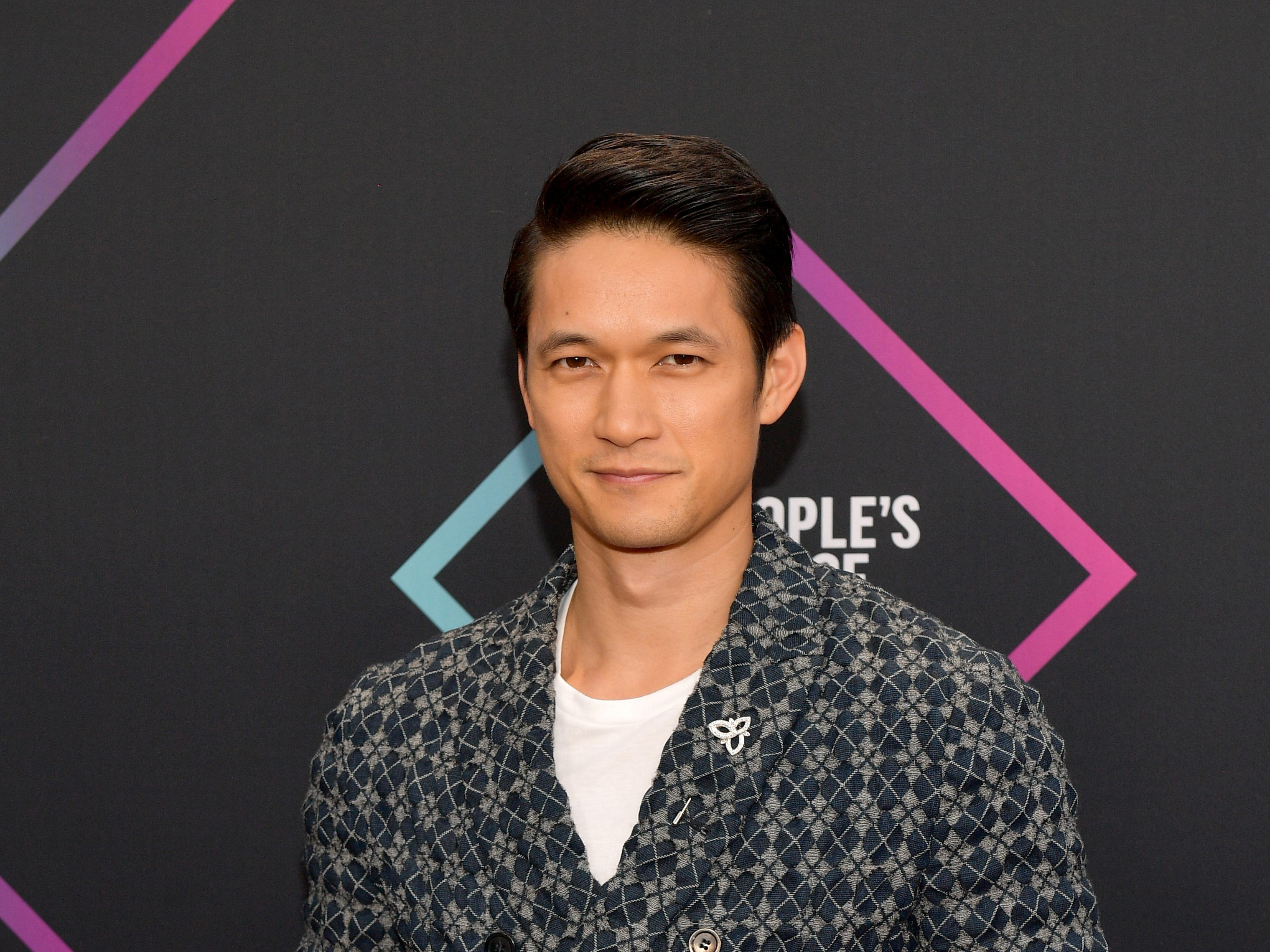 SANTA MONICA, CA - NOVEMBER 11:  Harry Shum Jr. attends the People's Choice Awards 2018 at Barker Hangar on November 11, 2018 in Santa Monica, California.  (Photo by Matt Winkelmeyer/Getty Images) ORG XMIT: 775237965 ORIG FILE ID: 1060370434