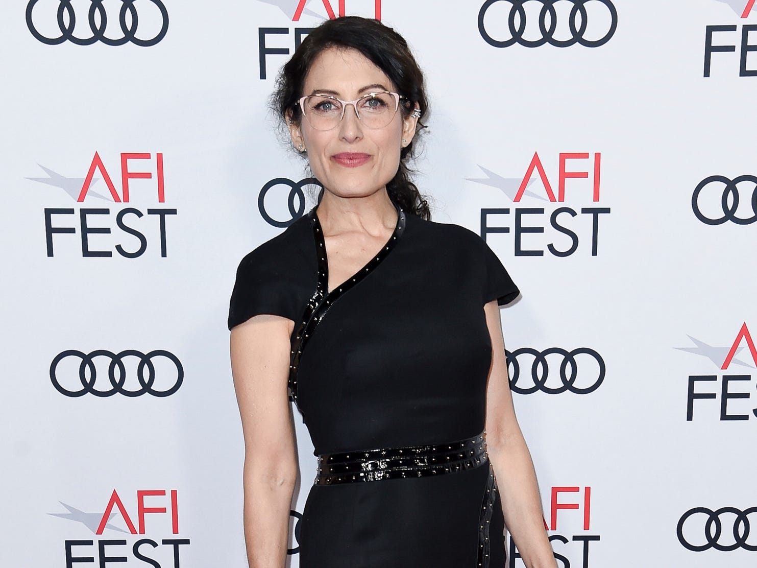 "Lisa Edelstein attends the world premiere of ""The Kominsky Method"" during the 2018 AFI Fest at the Egyptian Theatre on Friday, Nov. 9, 2018, in Los Angeles. (Photo by Richard Shotwell/Invision/AP) ORG XMIT: CAPS110"
