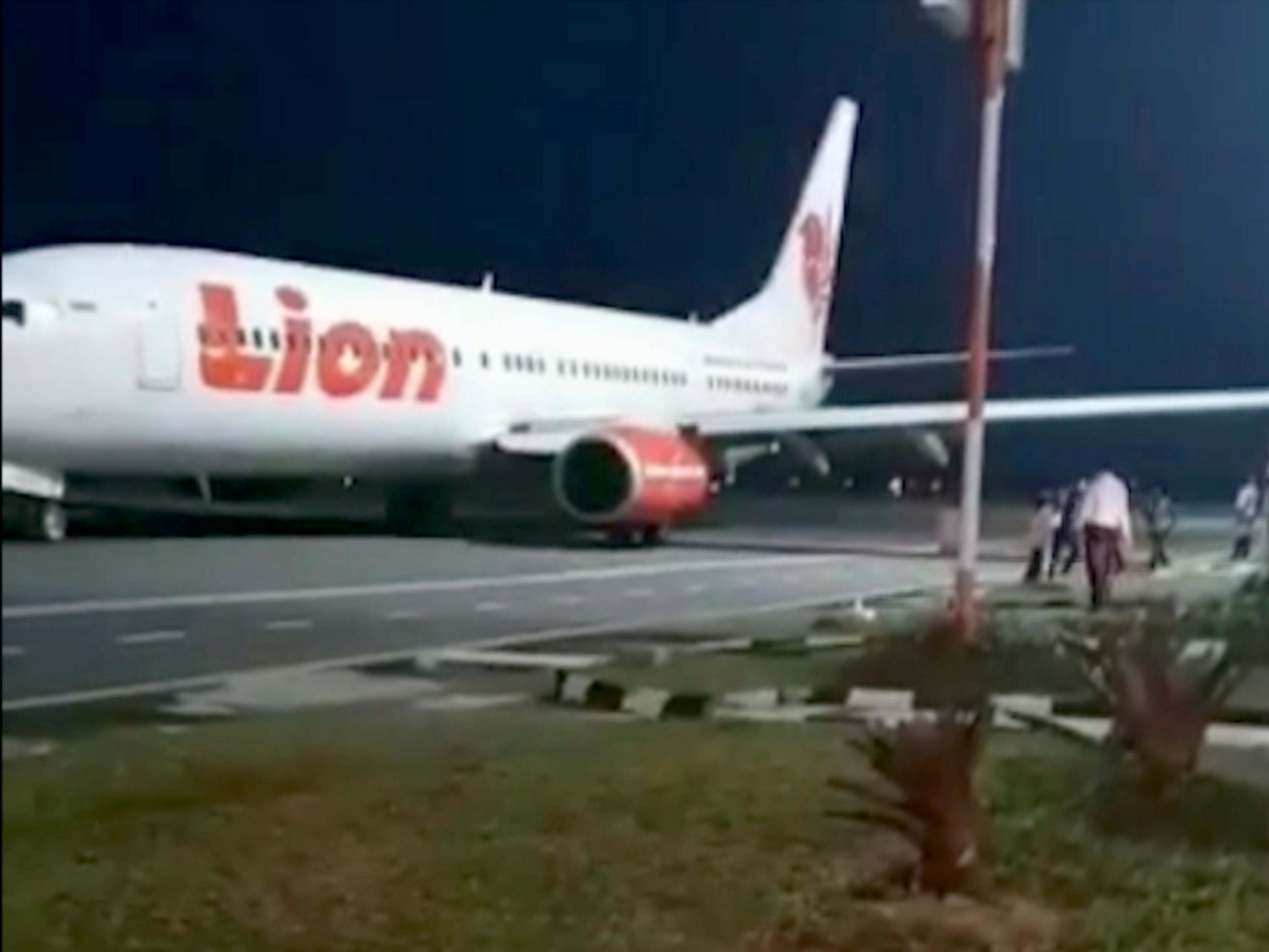 Lion Air plane collides with light pole during takeoff
