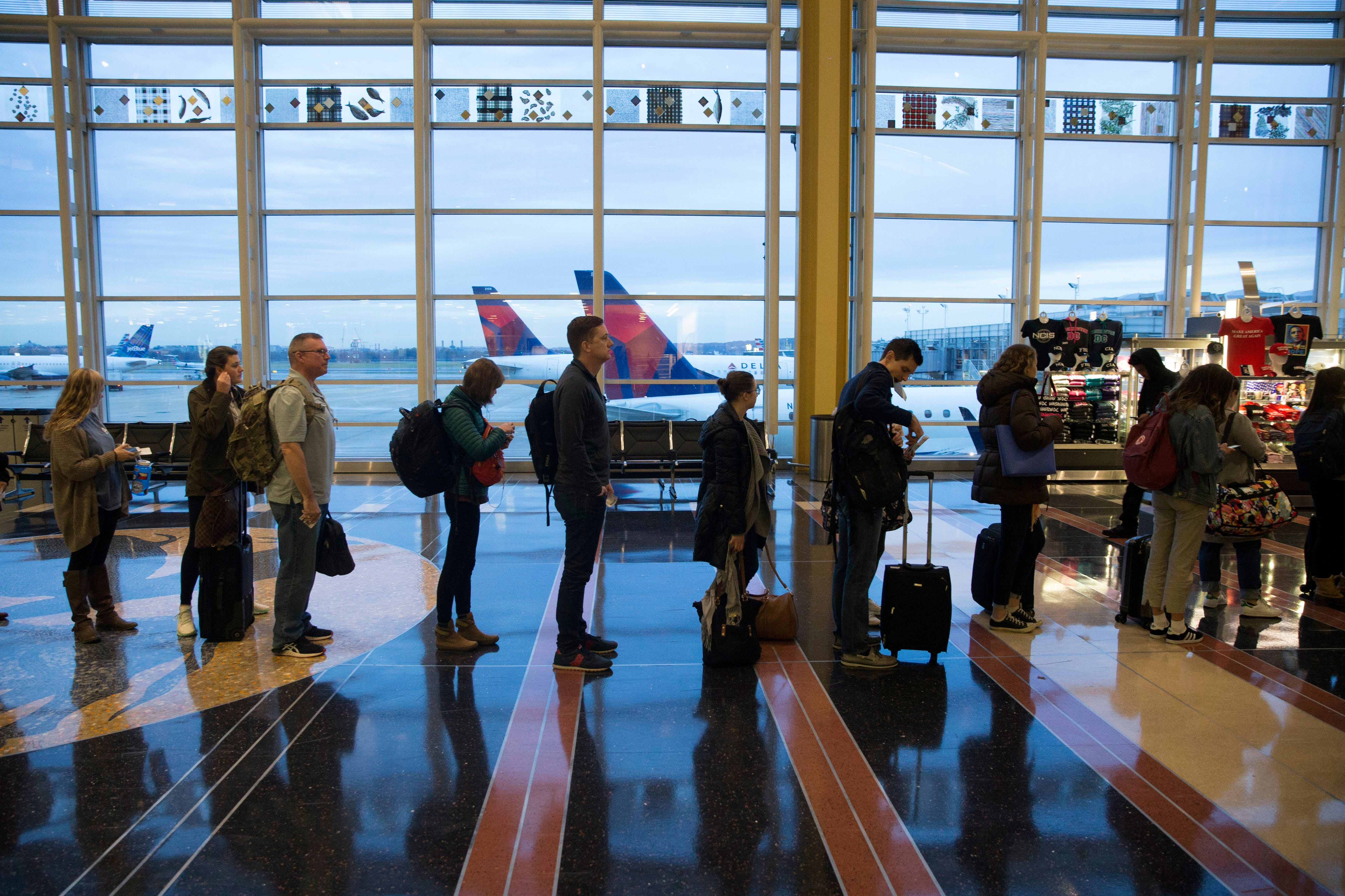 Thanksgiving flying guide: 7 things to know | USA Today