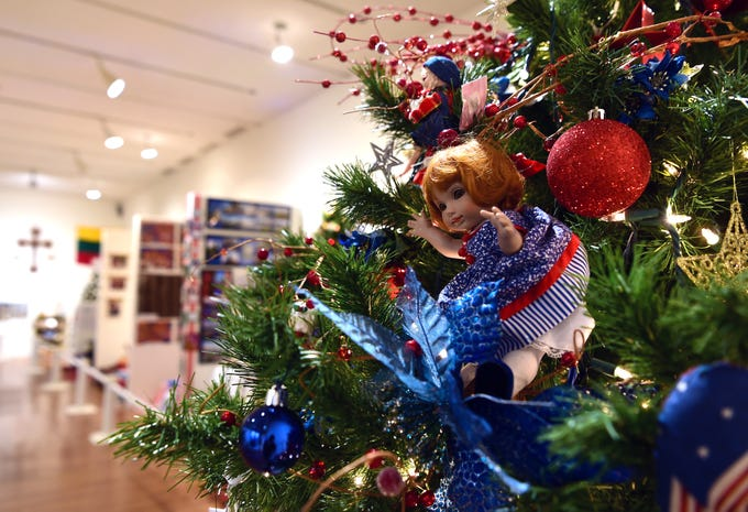 "The Broome County Doll Club's ""Favorite Things"" tree."