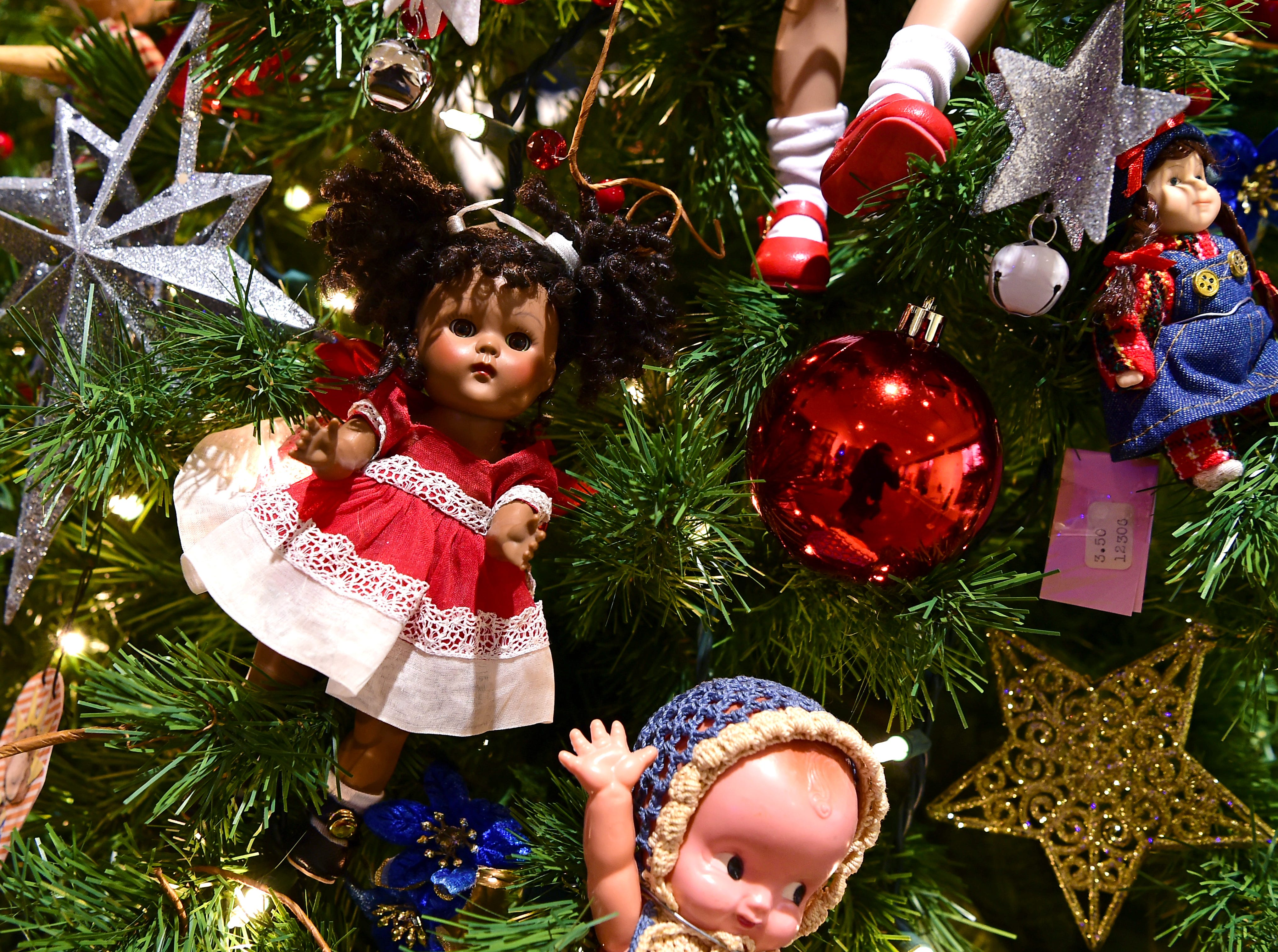 "Broom County Doll Clubs ""Favorite Things"" tree. Roberson Museum and Science Center's annual Home for the Holidays event opens on November 14 and continues through January 6. The event features hundreds of elaborately decorated holiday trees and displays. November 12, 2018."
