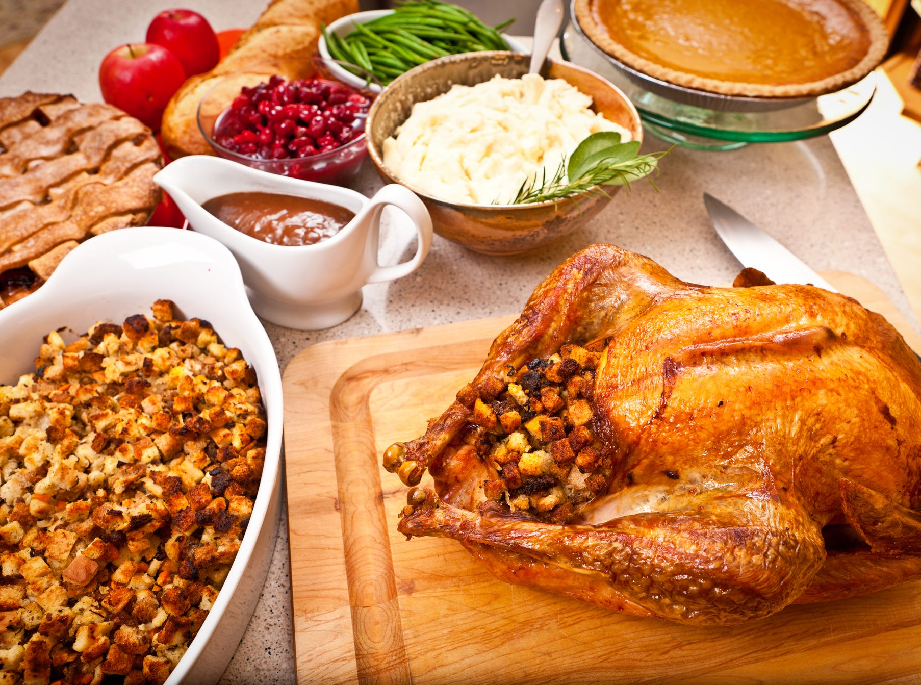 Save my Thanksgiving dinner! Robin Miller to the rescue with cooking tips, foolproof recipes