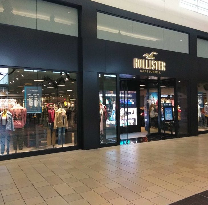 Hollister Co. opens at La Palmera mall just in time for the holiday season