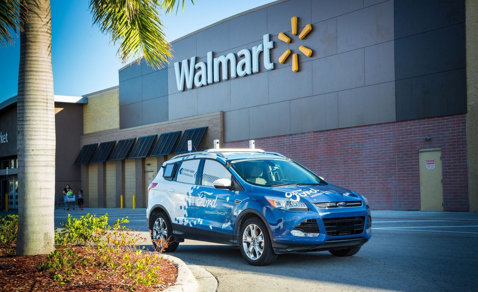 Walmart, Ford Motor team up to test self-driving car delivery
