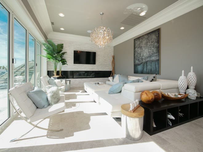 A living area at Villa Vista in Knoxville, Tennessee. The $6M home will be auctioned off Dec. 8, 2018.