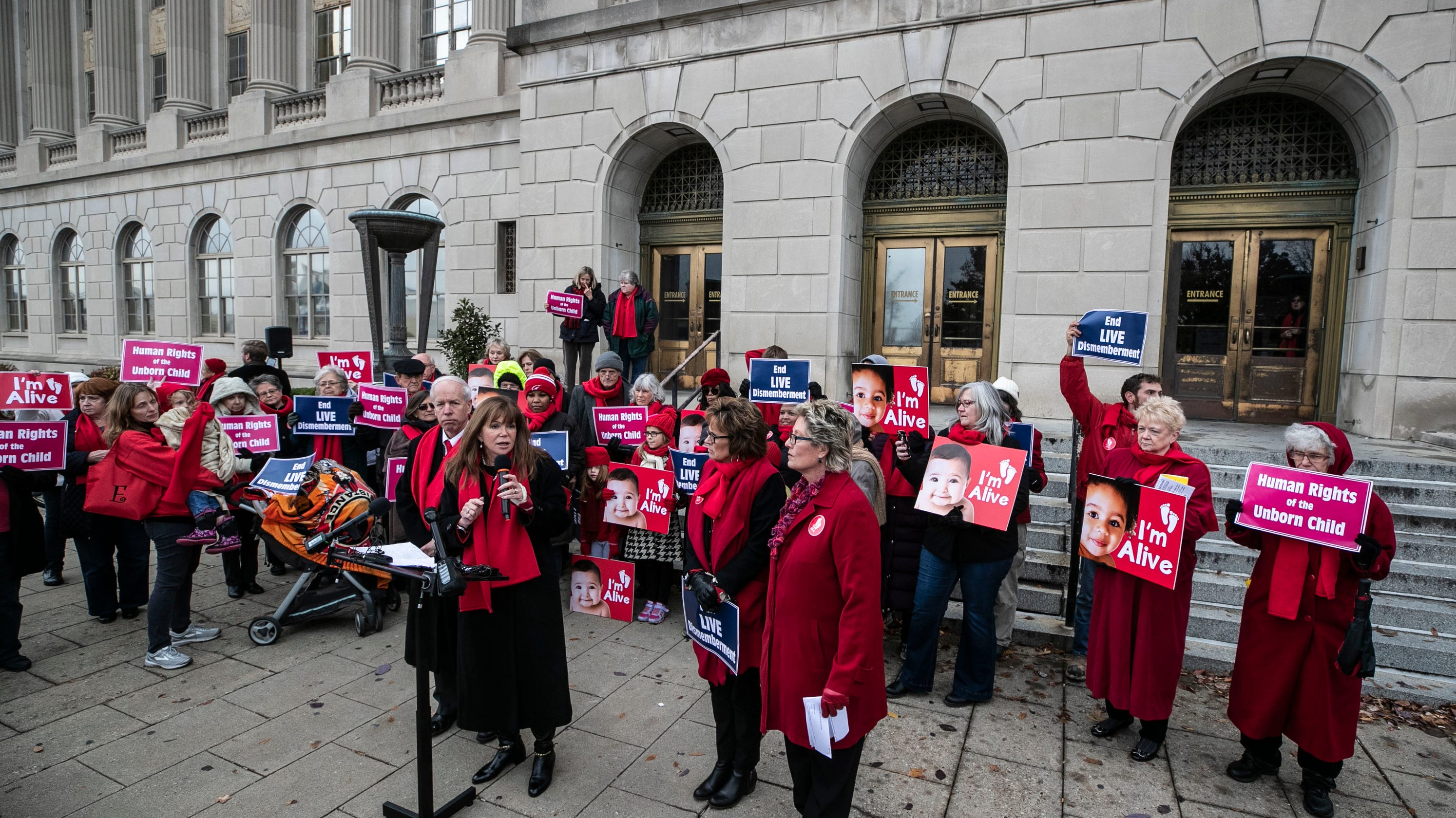 The Battle Over Controversial Method >> Kentucky Abortion Law Lawsuit Now In Judge S Hands