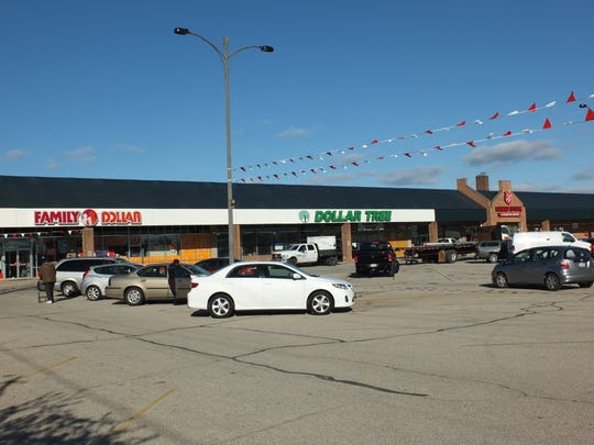 Packard Plaza is welcoming a Dollar Tree in the former Family Dollar location. Family Dollar has moved to the end of the strip mall.