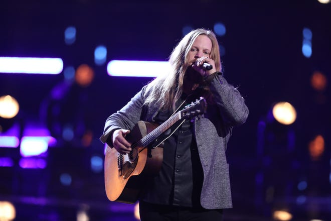 """THE VOICE -- """"Live Playoffs"""" Episode 1514A -- Pictured: Chris Kroeze -- (Photo by: Tyler Golden/NBC)"""