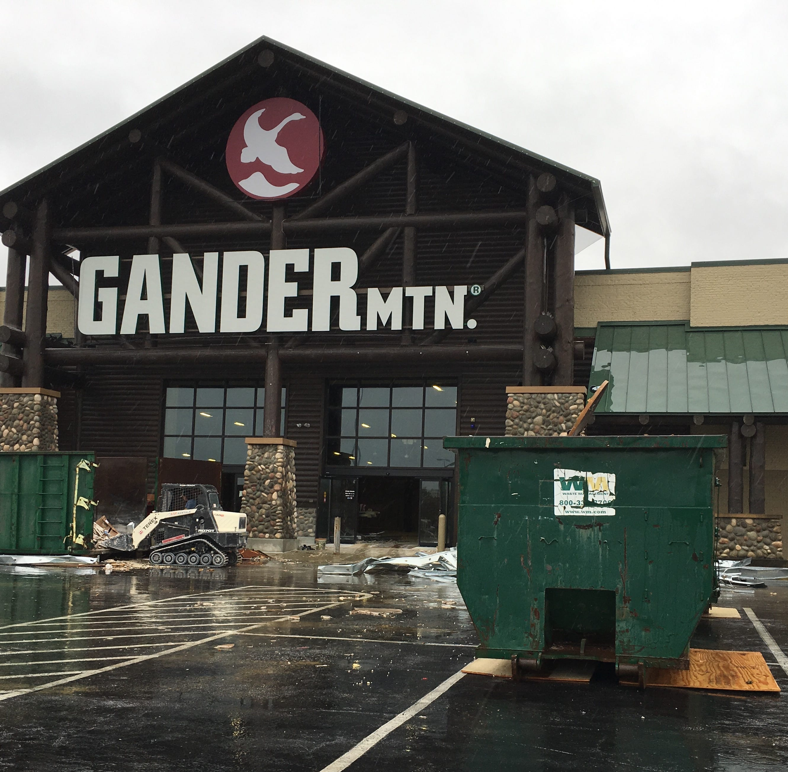 Electronics chain coming to former Gander Mountain spot