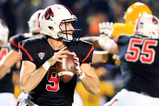 TOLEDO, OH - OCTOBER 31: Drew Plitt #9 of the Ball State Cardinals throws a pass in the game against the Toledo Rockets on October 31, 2018 in Toledo, Ohio. (Photo by Justin Casterline/Getty Images)