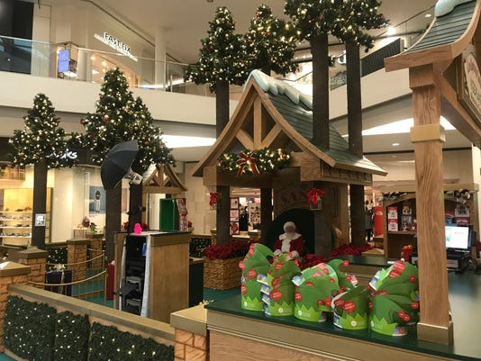 CoolSprings Galleria Santa 2018